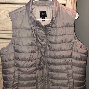 Gap beautiful silver/grey puffer vest!